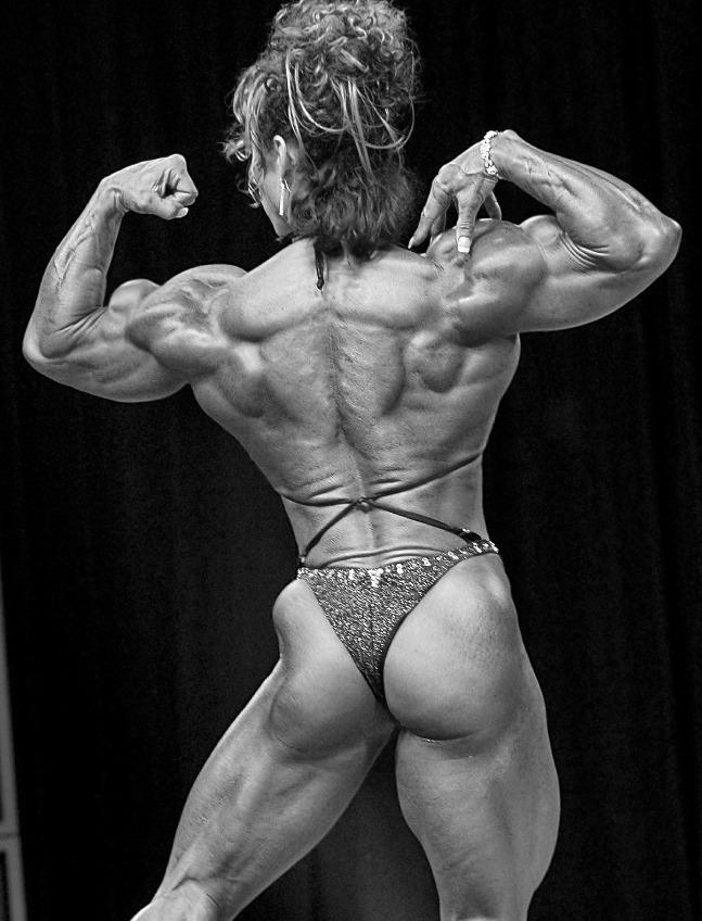 donna muscolosa e steroidi anabolizzanti
